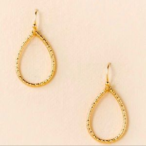 🌵4/$30 New Gold Textured Teardrop Earrings